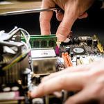 Восстановление высокотехнологичных изделий иностранного производства и  ремонту промышленной электроники и механического оборудования.